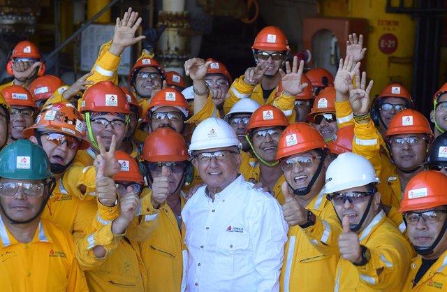 Archivo - Economía.- La producción de Pemex cae un 1,8% en 2020 y se queda a 103.000 barriles de su objetivo