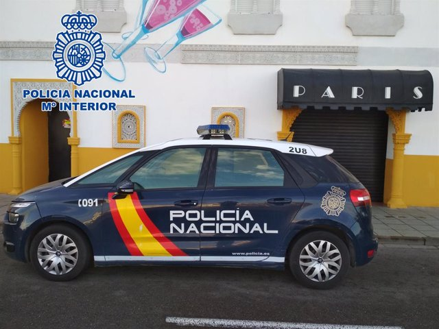 Almería.-Coronavirus.-Clausuran un club de alterne abierto al público pese al cese de la actividad no esencial