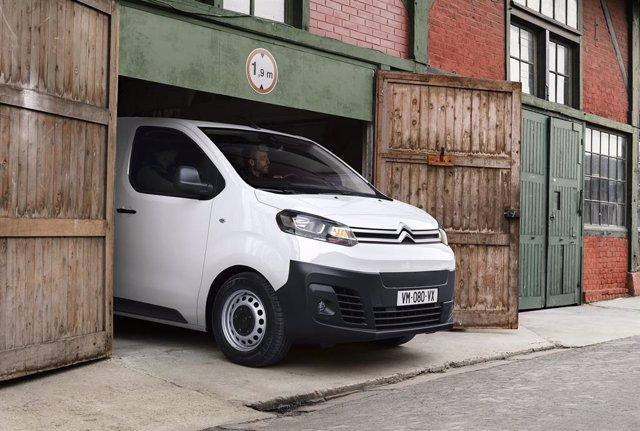 Archivo - Economía/Motor.- Citroën electrifica su Jumpy, del cual ha vendido 800.000 unidades desde su lanzamiento en 1995