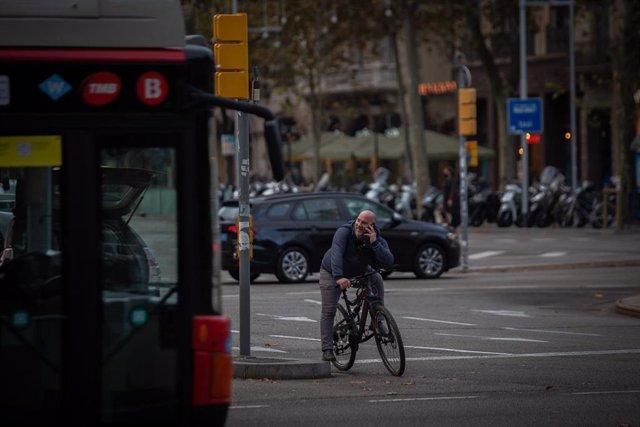 Archivo - La metrópolis de Barcelona registra 7.577 accidentes en bicicleta en la última década