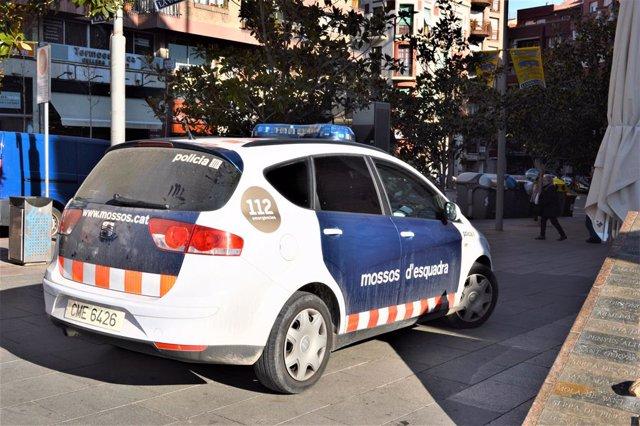 Archivo - Successos.- A la presó un presumpte estafador reincident detingut a Barcelona