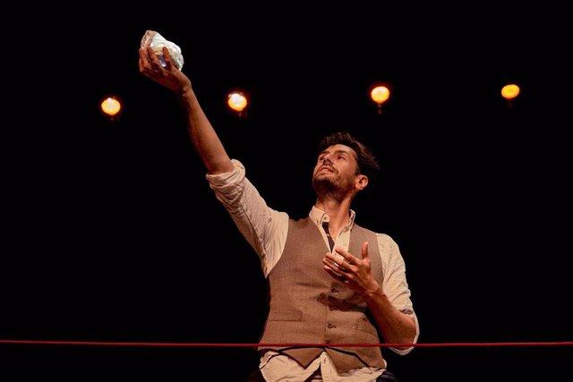 [Sevilla] Np Y Foto De Cultura: Juan Diego Botto Concibe E Interpreta Una Noche Sin Luna, Con Textos De Lorca Y Dirigido Por Peris Mencheta, En El Teatro Central