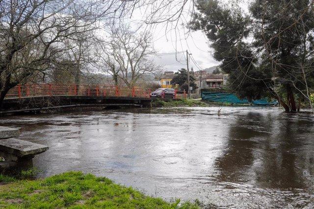 """Inundación fruto de la crecida del Río Miñor a su paso por Gondomar, Pontevedra, Galicia (España), a 18 de febrero de 2021. El Río Miñor  ha registrado un """"incremento significativo"""" de su caudal, al presentar valores por encima de los umbrales establecido"""