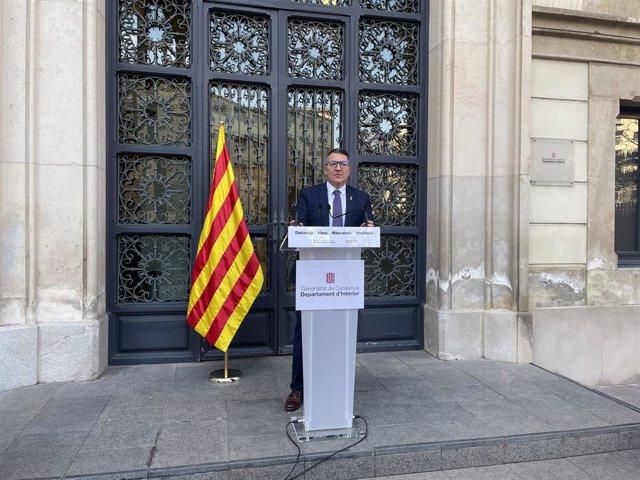 El conseller d'Interior de la Generalitat, Miquel Sàmper, a la seu del departament a Barcelona, 18 de febrer del 2021.