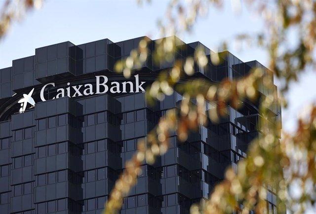 Archivo - La seu de Caixabank a Barcelona