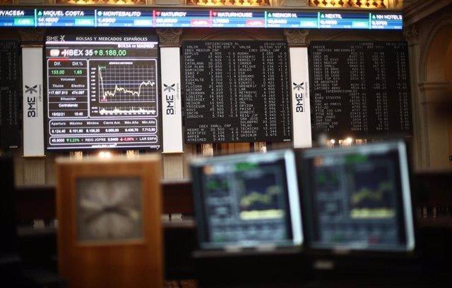 El Ibex 35 avanza sobre los 8.100 puntos con una subida del 1,35%