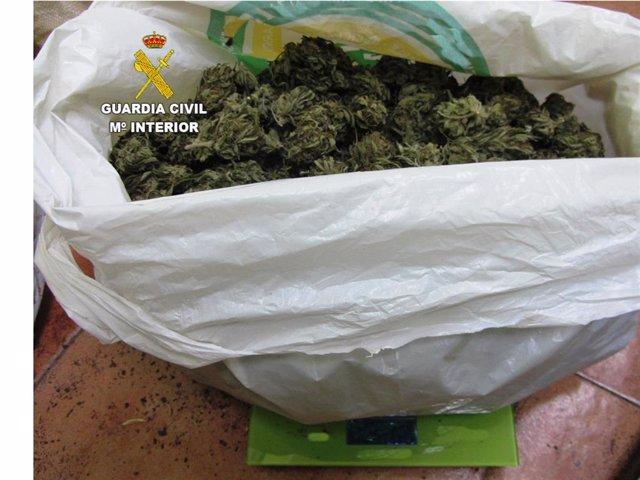 Sustancia Incautada A La Persona Detenida En La Bañeza (León).