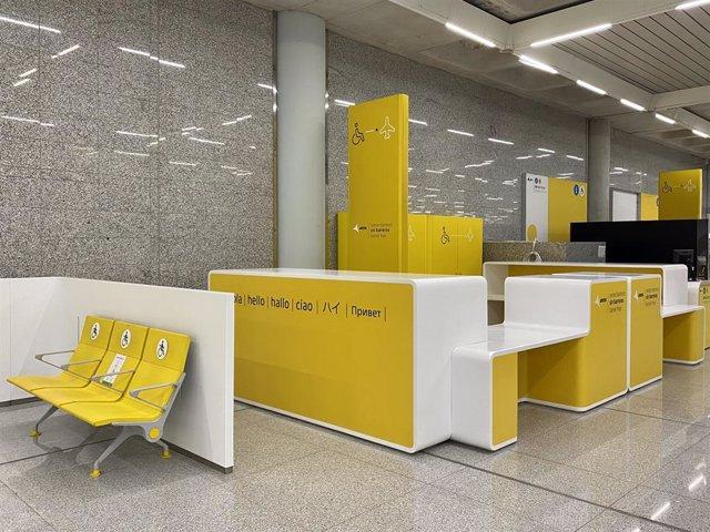 Renovación del mobiliario de los puntos de atención a Personas con Movilidad Reducida.