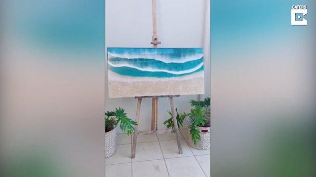 Esta artista crea cuadros de paisajes costeros fotorrealistas usando resina con asombroso resultado