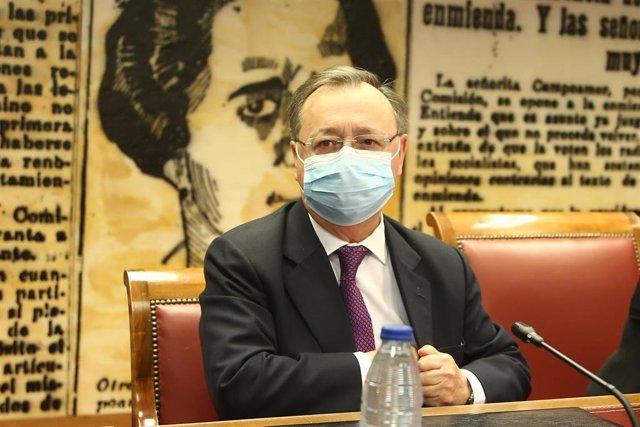 El presidente de la Ciudad Autónoma de Ceuta, Juan Jesús Vivas Lara, en una Ponencia de estudio en el Senado sobre la insularidad y la situación periférica de las ciudades de Ceuta y Melilla, en Madrid, (España), a 19 de febrero de 2021.