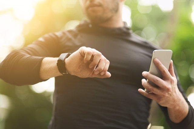 Archivo - Aplicaciones de fitness. Deporte, ejercicio, móviles