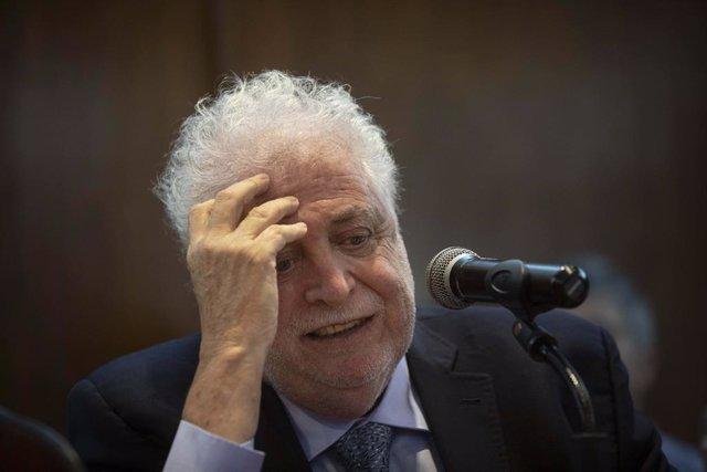 El ministro de Salud de Argentina, Gines González García.
