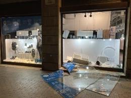 La manifestació de Barcelona en suport a Pablo Hasel es dissol després del saqueig a una botiga Decathlon al costat de la Rambla