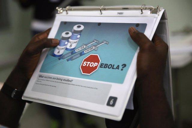 Archivo - Campaña de vacunación contra el ébola en Liberia