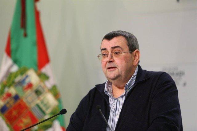 El responsable de Relacions Institucionals del PNB, Koldo Mediavilla, en roda de premsa a Bilbao