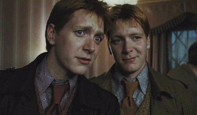 James y Oliver Phelps, los gemelos Weasley de Harry Potter