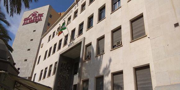 2. El hombre que mató a su padre de 25 puñaladas en Almería se enfrenta a 23 años de prisión