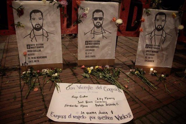 Archivo - Cartel en recuerdo a líderes sociales asesinados en Colombia