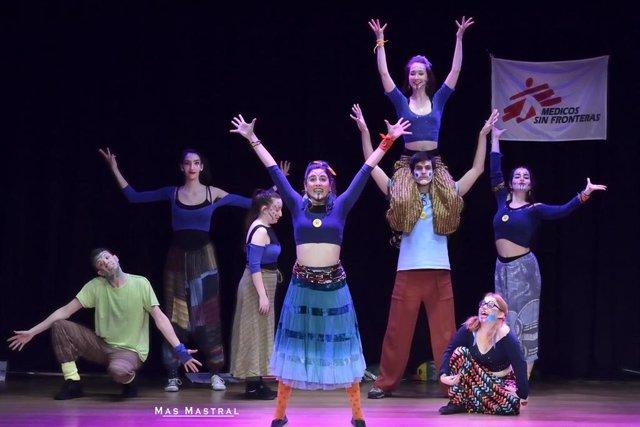 Archivo - Teatro y solidaridad con las personas refugiadas se dan la mano en el ciclo 'Cuentacuentos sin fronteras'.