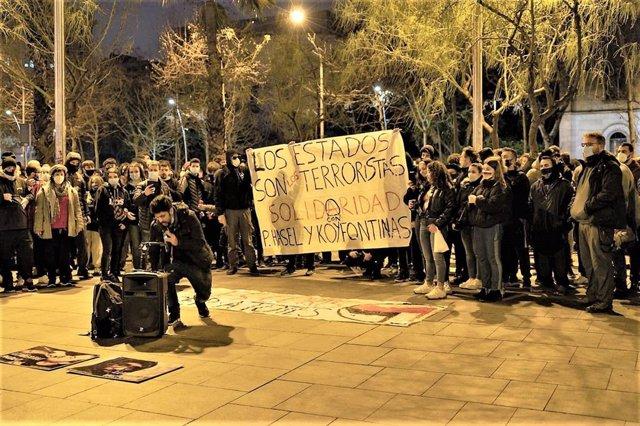 Més de 500 persones es concentren a Barcelona en suport a Pablo Hasel