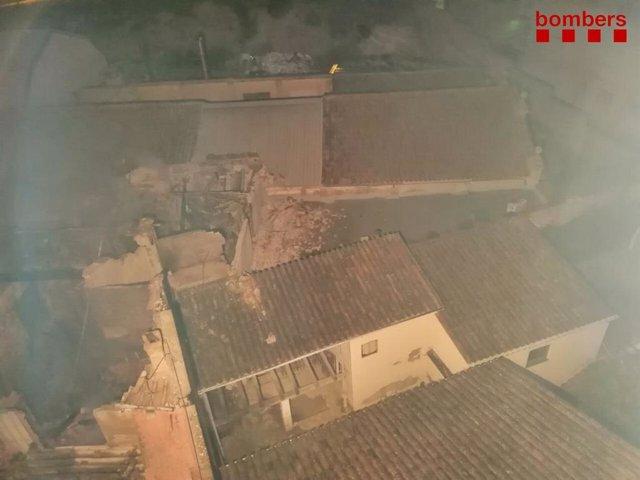 Fàbrica de cartró incendiada a Òdena (Barcelona)