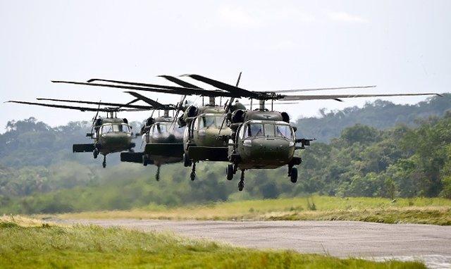 Archivo - Helicópteros militares en Chocó, Colombia