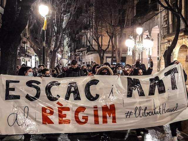 Manifestació a Girona contra l'empresonament de Pablo Hasel