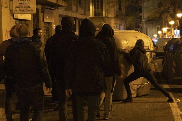 Manifestació contra l'empresonament de Pablo Hasél, a Barcelona.