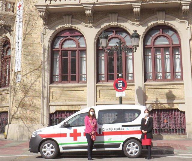 La Fundación 'la Caixa' y CaixaBank colaboran con Cruz Roja en la adquisición de un nuevo vehículo.