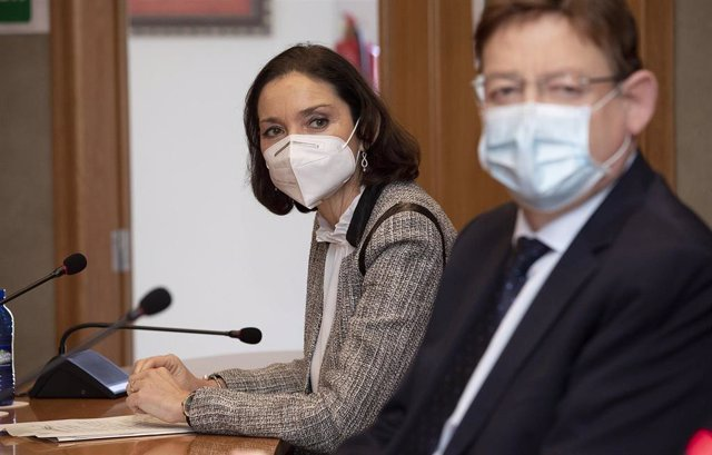La ministra de Industria, Comercio y Turismo, Reyes Maroto, junto al presidente de la Generalitat, Ximo Puig