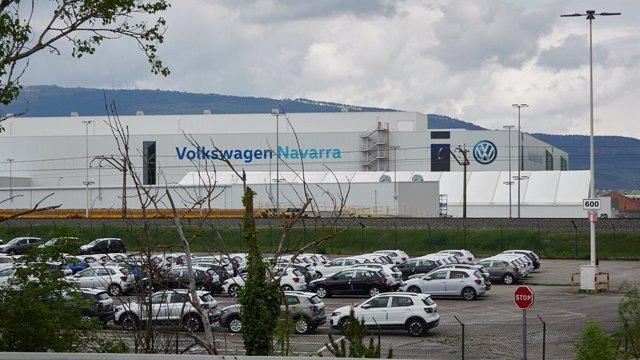 Archivo - Vista de vehículos producidos en la fábrica de Volkswagen Navara.
