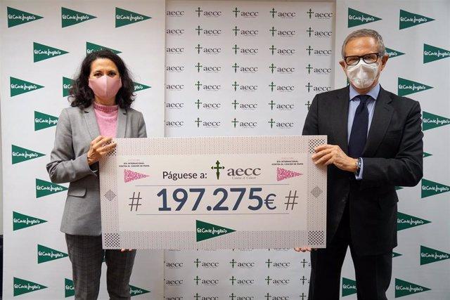 Empresas.- El Corte Inglés entrega 197.275 euros a la AECC para su nuevo proyecto de investigación en cáncer de mama