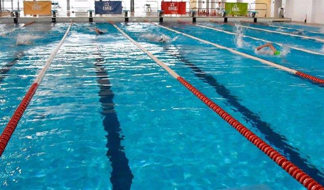 Archivo - Palma elimina el límite de tiempo para utilizar las piscinas del IME y suprime los turnos para acceder.