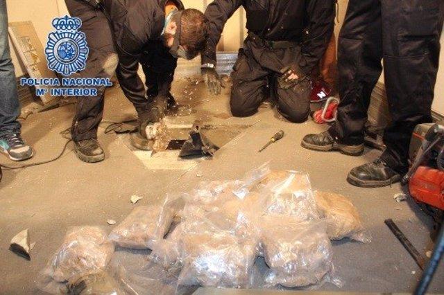 Archivo - La Policía Nacional incauta en Madrid el mayor alijo de la droga MDMA hallado en España. La droga se hallaba oculta en el suelo de un tráiler procedente de Bulgaria.