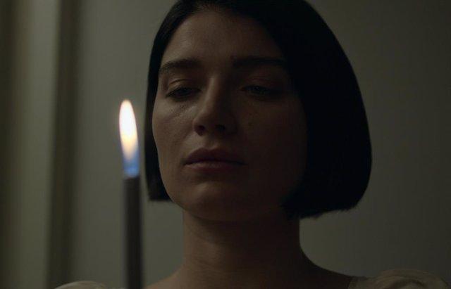 Detrás de sus ojos: El desagradable detalle del libro que Netflix dejó fuera de la serie