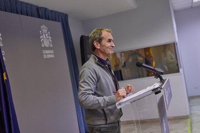 El director del Centro de Coordinación de Alertas y Emergencias Sanitarias (CCAES), Fernando Simón interviene durante una rueda de prensa convocada ante los medios de comunicación en el Ministerio de Sanidad para informar sobre la evolución del coronaviru