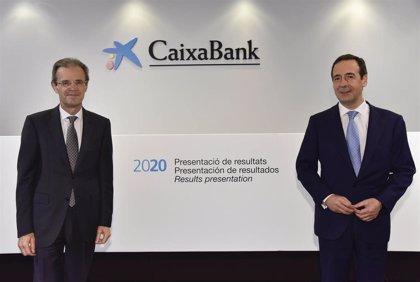 Gonzalo Gortázar (CaixaBank) ganó 2,83 millones en 2020, un 24,61% menos