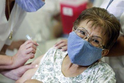 Coronavirus.- Buenos Aires empieza a vacunar a mayores de 80 años en la segunda fase de inmunización contra la COVID-19
