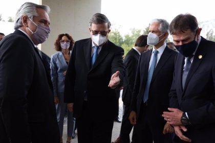 Coronavirus.- México destaca la cooperación con Argentina para garantizar el acceso a vacunas en la visita de Fernández
