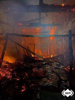 Incendio en una casa abandonada