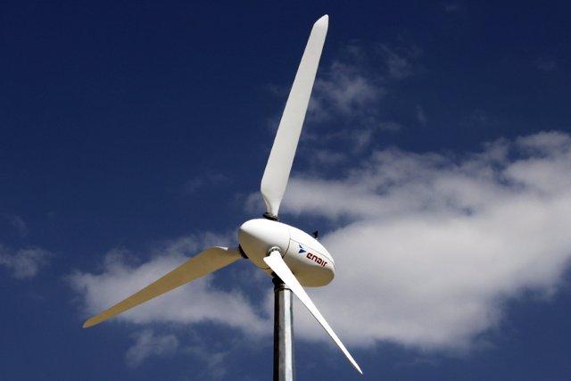 Archivo - Imagen de recurso de aerogeneradores eólicos