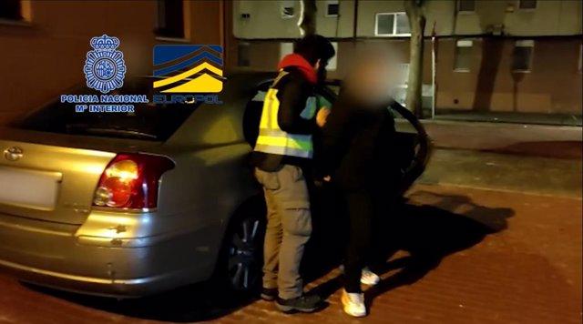 La Policía Nacional detiene a cinco integrantes de una organización itinerante especializada en la comisión de hurtos al descuido