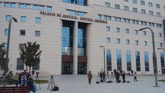 Archivo - Exterior del Palacio de Justicia de Pamplona