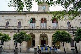 Archivo - Fachada del Ayuntamiento Sevilla
