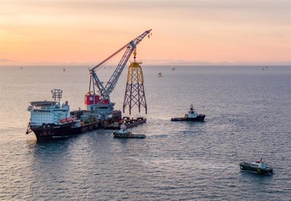 Acciona crea una 'joint venture' con SSE para desarrollar proyectos de eólica marina en España y Portugal