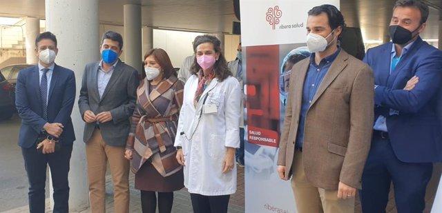 Visita del PP al Hospital de Torrevieja