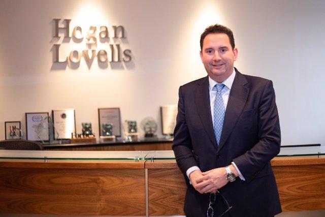 Archivo - Economía.-  Hogan Lovells refuerza sus áreas estratégicas con nuevos nombramientos