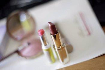 Foto: Sustancias presentes en pintalabios, cremas o tintes pueden aumentar el riesgo de padecer endometriosis