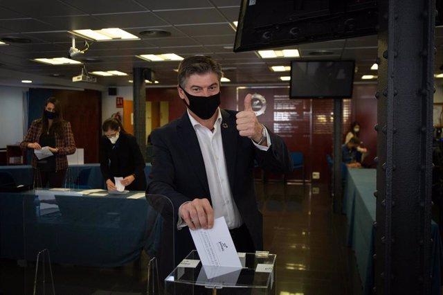 Antoni Cañete en la votación para elegir al nuevo presidente de Pimec, a 23 de febrero