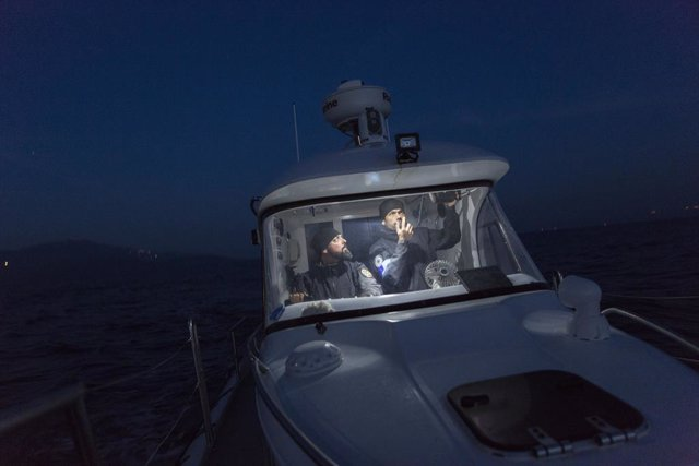 Agentes de Frontex realizando labores de patrullaje en el mar Egeo.